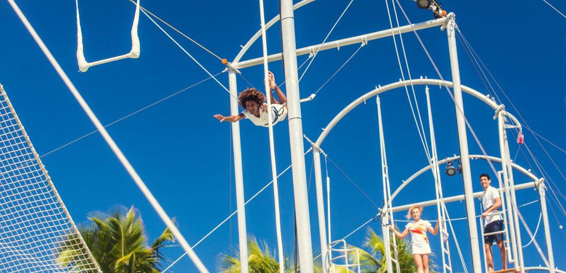 Club Med Miches Playa Esmeralda, en République Dominicaine - Image de l'école de trapèze volant et activités cirque