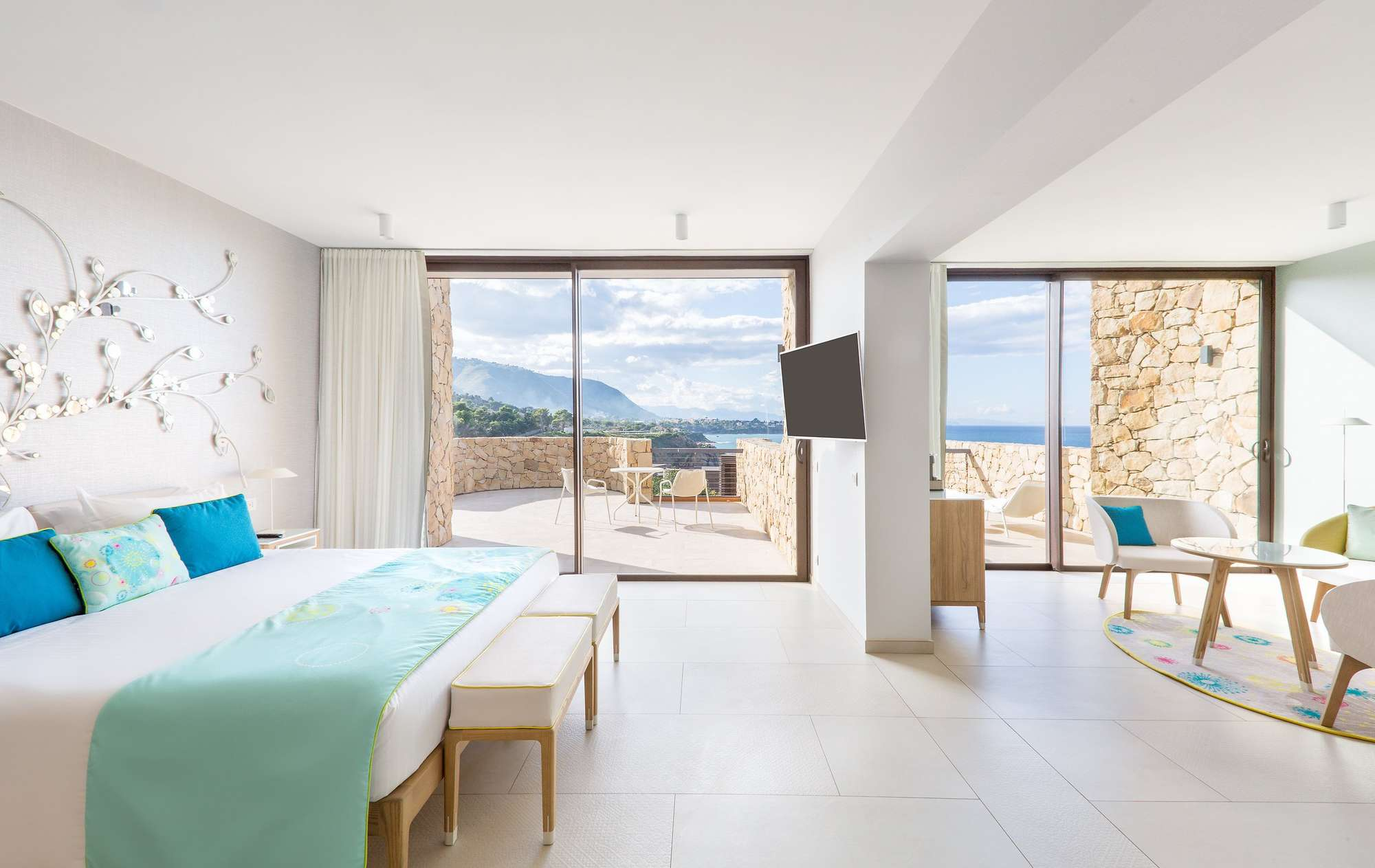 3Club_med_EXCLUSIVE_COLLECTION_Resorts_Cefalu_Suite_Communiquante1