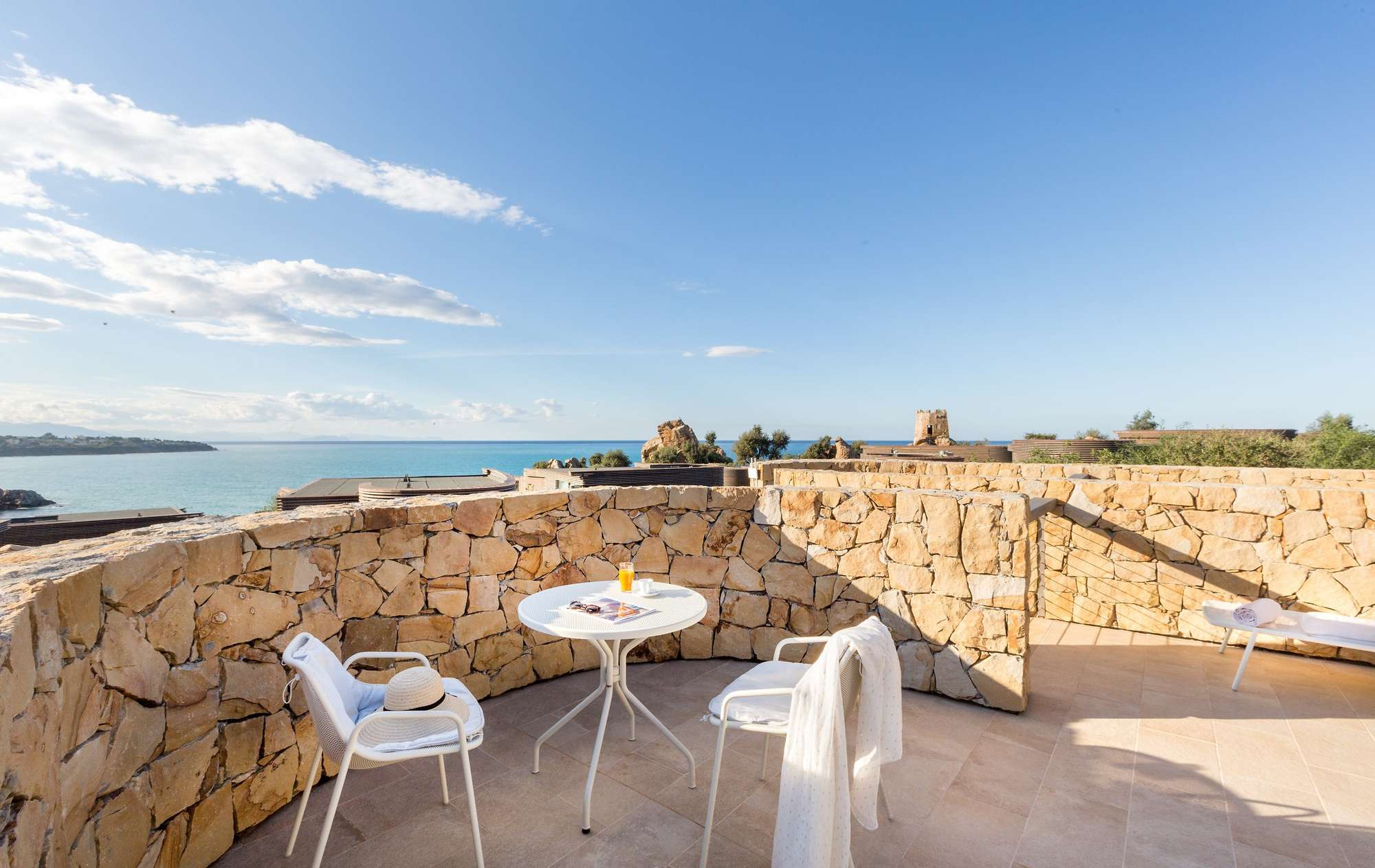 3Club_med_EXCLUSIVE_COLLECTION_Resorts_Cefalu_Suite_Communiquante2