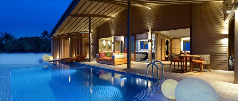 Club Med Villas de Finolhu, aux Maldives - Image d'une terrasse extérieure d'une villa sur pilotis