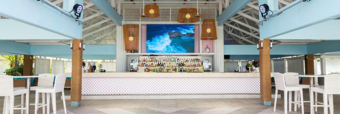 Image frontale du bar le Blue Coral