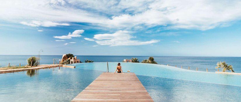 Club Med Cefalù en Italie - La mer turquoise du bout du ponton