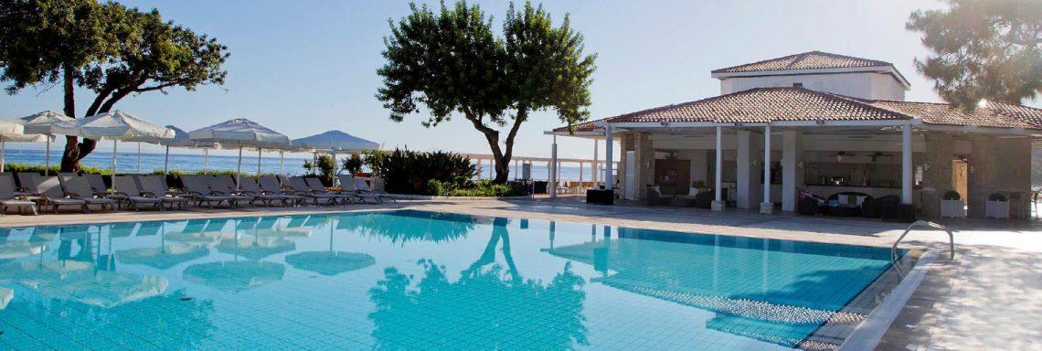 Club Med Kemer, en Turquie - Vue d'une des piscines disponibles sur le site