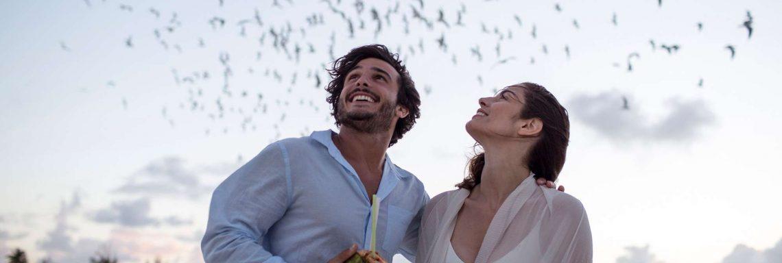 Club Med Kemer, en Turquie - Deux personne sur la plage profitant d'une fin de soirée