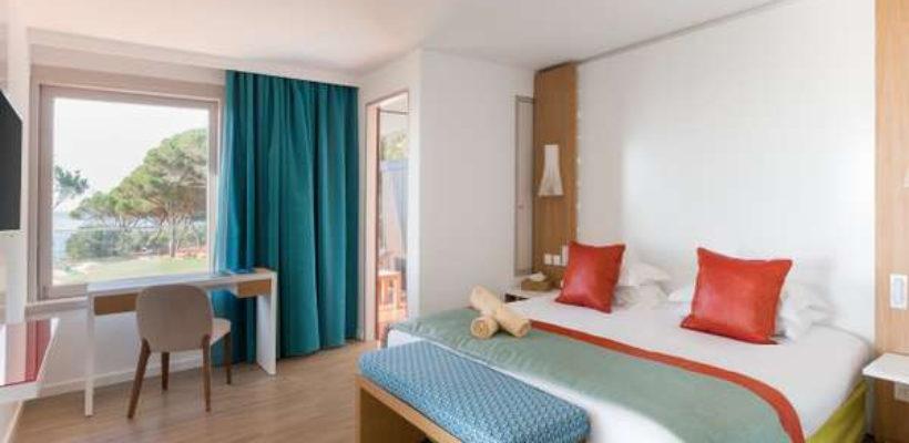 Club_Med_Cotes_Mediterraneennes_Da_Balaia_suite_room_1_1