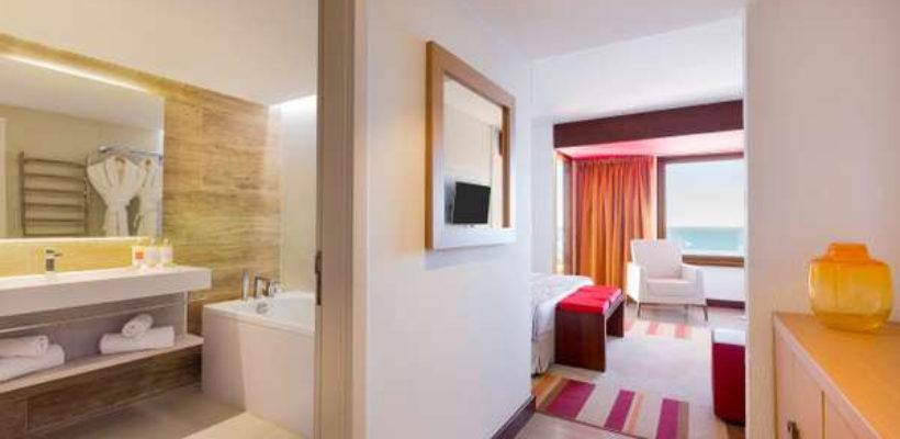 Club_Med_Cotes_Mediterraneennes_Da_Balaia_suite_room_1_10