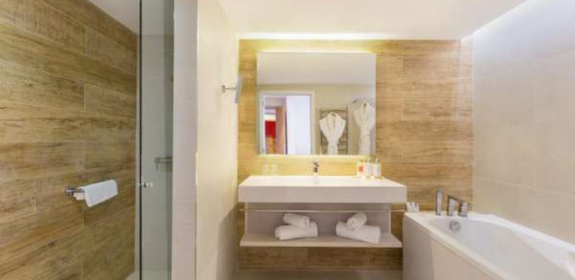 Club_Med_Cotes_Mediterraneennes_Da_Balaia_suite_room_1_12