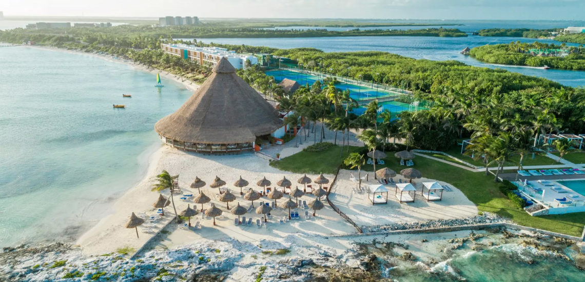 Club Med Cancun Yucatan, Mexique - Image aérienne du complexe et de l'île environnante