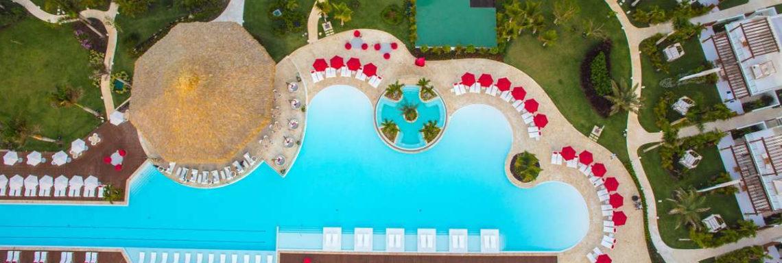 Club Med Punta Cana, en République Dominicaine - Vue aérienne de la piscine du jardin Oasis