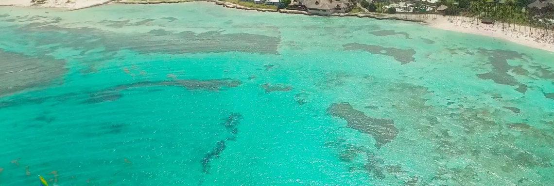 Club Med Punta Cana, en République Dominicaine - Image aérienne de la mer et de la nature environnante du complexe