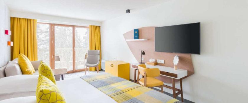 Club Med Arcs Panorama, en France - Vue de l'intérieur d'une chambre en hébergement Deluxe