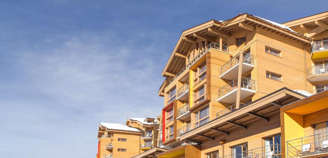 Club Med Val Thorens Sensations, France - Image en contre plongée du complexe