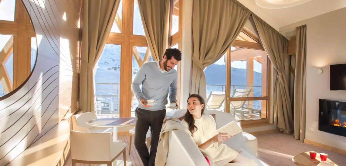 Club Med Val Thorens Sensations, France - Photo d'un couple à l'intérieur d'une suite