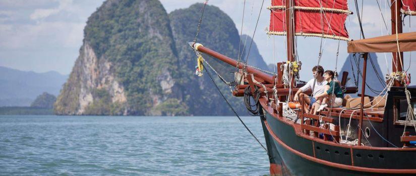 Naviguez sur l'océan indienet comptemplez le magnifique décor